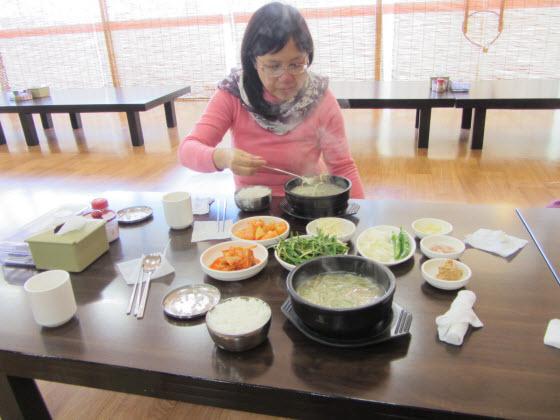 金海首露王陵附近餐廳午餐